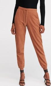 Spodnie sportowe Reserved z dresówki w sportowym stylu