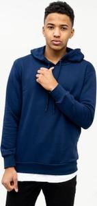 Niebieska bluza Plus Eighteen z dzianiny