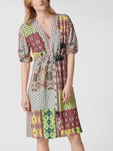 Sukienka Marc Cain z dekoltem w kształcie litery v