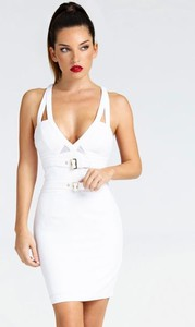 Sukienka Guess dopasowana