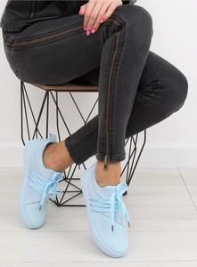 Buty sportowe Inello z tkaniny z płaską podeszwą