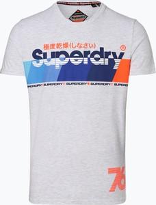Niebieski t-shirt Superdry w młodzieżowym stylu z krótkim rękawem