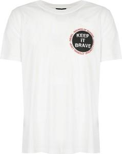 T-shirt ubierzsie.com w młodzieżowym stylu