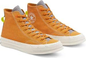 Pomarańczowe trampki Converse ze skóry ekologicznej z płaską podeszwą