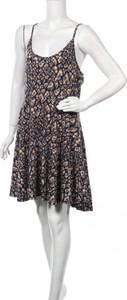 Sukienka Acevog mini na ramiączkach z okrągłym dekoltem