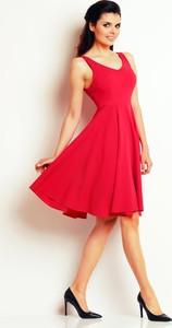 Różowa sukienka Awama bez rękawów
