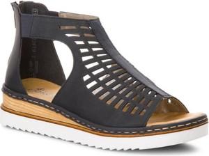 Granatowe sandały Rieker na niskim obcasie w stylu casual