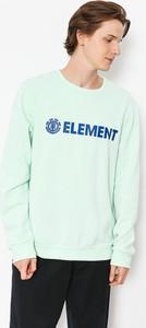 Zielona bluza Element w młodzieżowym stylu