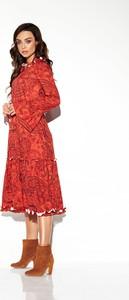 Czerwona sukienka TAGLESS w stylu casual midi