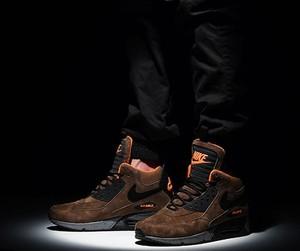 Brązowe buty sportowe Nike sznurowane