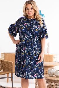 Sukienka KARKO z okrągłym dekoltem mini dla puszystych