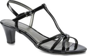 Czarne sandały Tamaris z klamrami