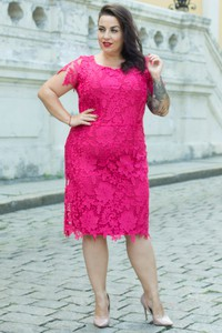 Sukienka Grandio z okrągłym dekoltem midi