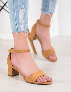 Brązowe sandały Czasnabuty na obcasie