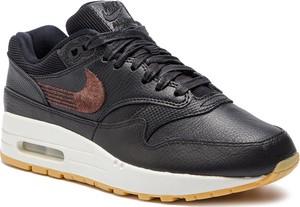 Buty sportowe Nike w młodzieżowym stylu z płaską podeszwą air max