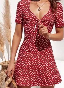 Czerwona sukienka Arilook z krótkim rękawem mini