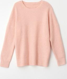 Różowy sweter Mohito