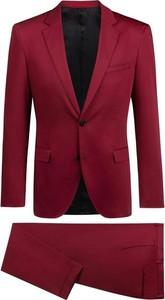 Czerwony garnitur Hugo Boss z bawełny