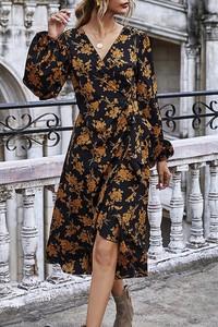 Sukienka IVET kopertowa z długim rękawem z dekoltem w kształcie litery v