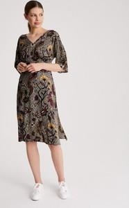 Sukienka Diverse z długim rękawem