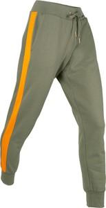 Zielone spodnie sportowe bonprix bpc bonprix collection w młodzieżowym stylu z dresówki