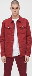 Czerwona kurtka Cropp z jeansu