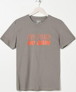 T-shirt Sinsay z bawełny w młodzieżowym stylu z nadrukiem