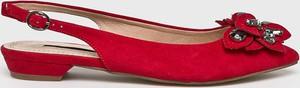 Czerwone baleriny Corina