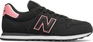 Czarne buty sportowe New Balance sznurowane w młodzieżowym stylu z tkaniny