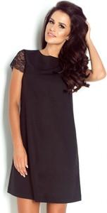 Czarna sukienka Ivon z krótkim rękawem