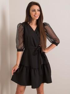 Czarna sukienka Sheandher.pl mini z dekoltem w kształcie litery v