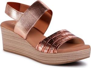 Złote sandały eobuwie.pl w stylu casual na koturnie