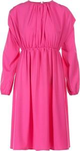 Różowa sukienka Multu w stylu casual z długim rękawem