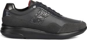 Sneakersy Geox z płaską podeszwą sznurowane