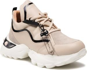 Buty sportowe Carinii sznurowane na platformie