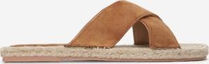 Brązowe klapki Multu