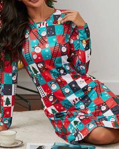 Sukienka Kendallme mini w bożonarodzeniowy wzór z okrągłym dekoltem