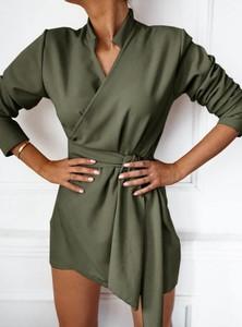 Zielona sukienka Pakuten z dekoltem w kształcie litery v z długim rękawem z bawełny