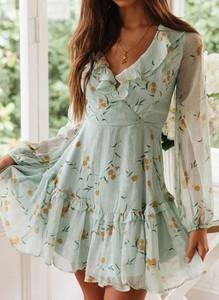 Sukienka Sandbella z dekoltem w kształcie litery v z długim rękawem mini
