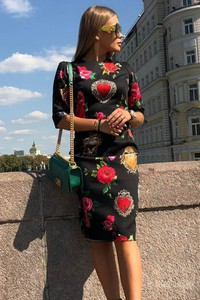 Sukienka Ivet.pl z okrągłym dekoltem w stylu casual z długim rękawem