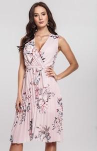 Sukienka Renee w stylu casual z dekoltem w kształcie litery v mini