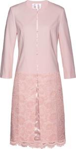Różowa marynarka bonprix bpc selection premium w koronkowe wzory