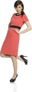 Czerwona sukienka Fokus z tkaniny w stylu klasycznym