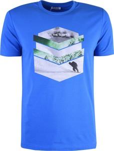 Niebieski t-shirt ubierzsie.com z krótkim rękawem