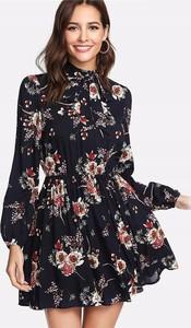 Sukienka Venilla Boutique mini z długim rękawem