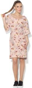 Różowa sukienka COLOUR PLEASURE z dzianiny w stylu casual