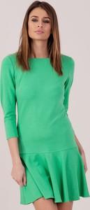 Zielona sukienka Sheandher.pl z długim rękawem mini w stylu casual