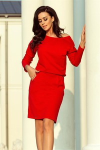 Czerwona sukienka NUMOCO z dresówki z okrągłym dekoltem