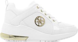Buty sportowe Guess z płaską podeszwą sznurowane