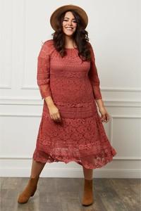 Czerwona sukienka Curvy Lady